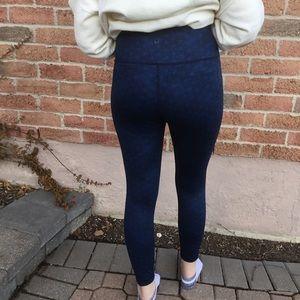Ladies Blue Lululemon Size 8 Medium Leggings